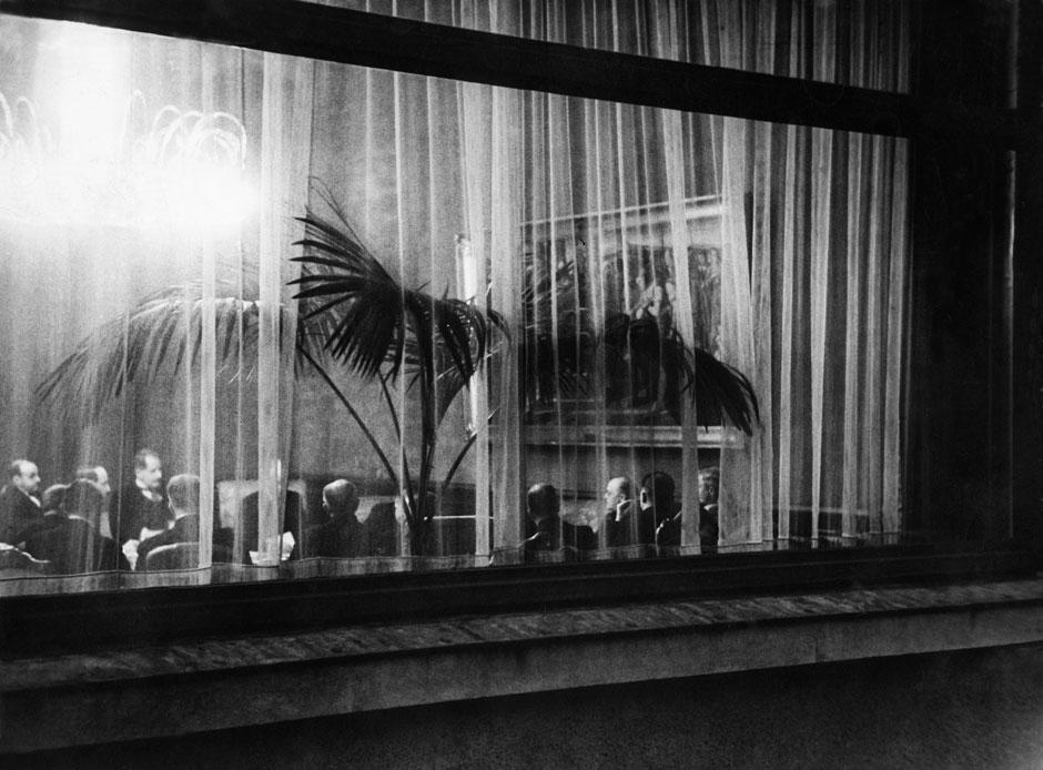 curtain Laval.jpg