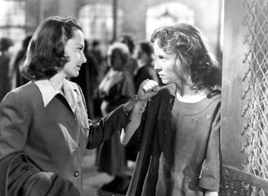 Olivia de Havilland and Betsy Blair as inmates at a mental hospital in The Snake Pit, 1948