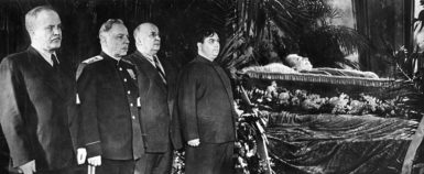 Joseph Stalin lying in state, attended by Vyacheslav Molotov, Kliment Voroshilov, Lavrenty Beria, and Georgii Malenkov, Moscow, March 8, 1953