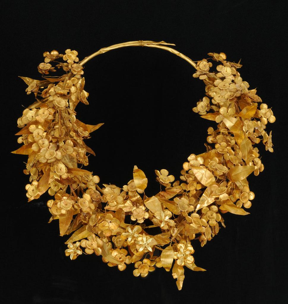 Queen Meda's gold myrtle wreath crown, Aigai, antechamber of the Tomb of Philip II, 336 BCE