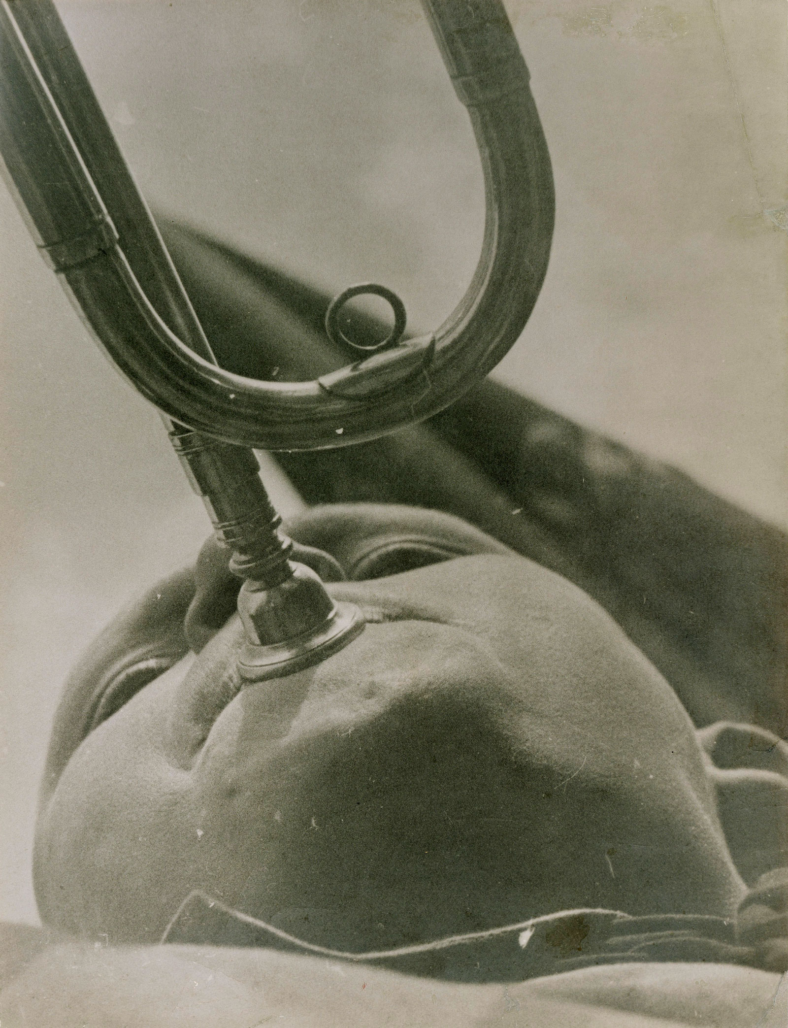 Alexander Rodchenko: Pioneer Playing a Trumpet, 1930