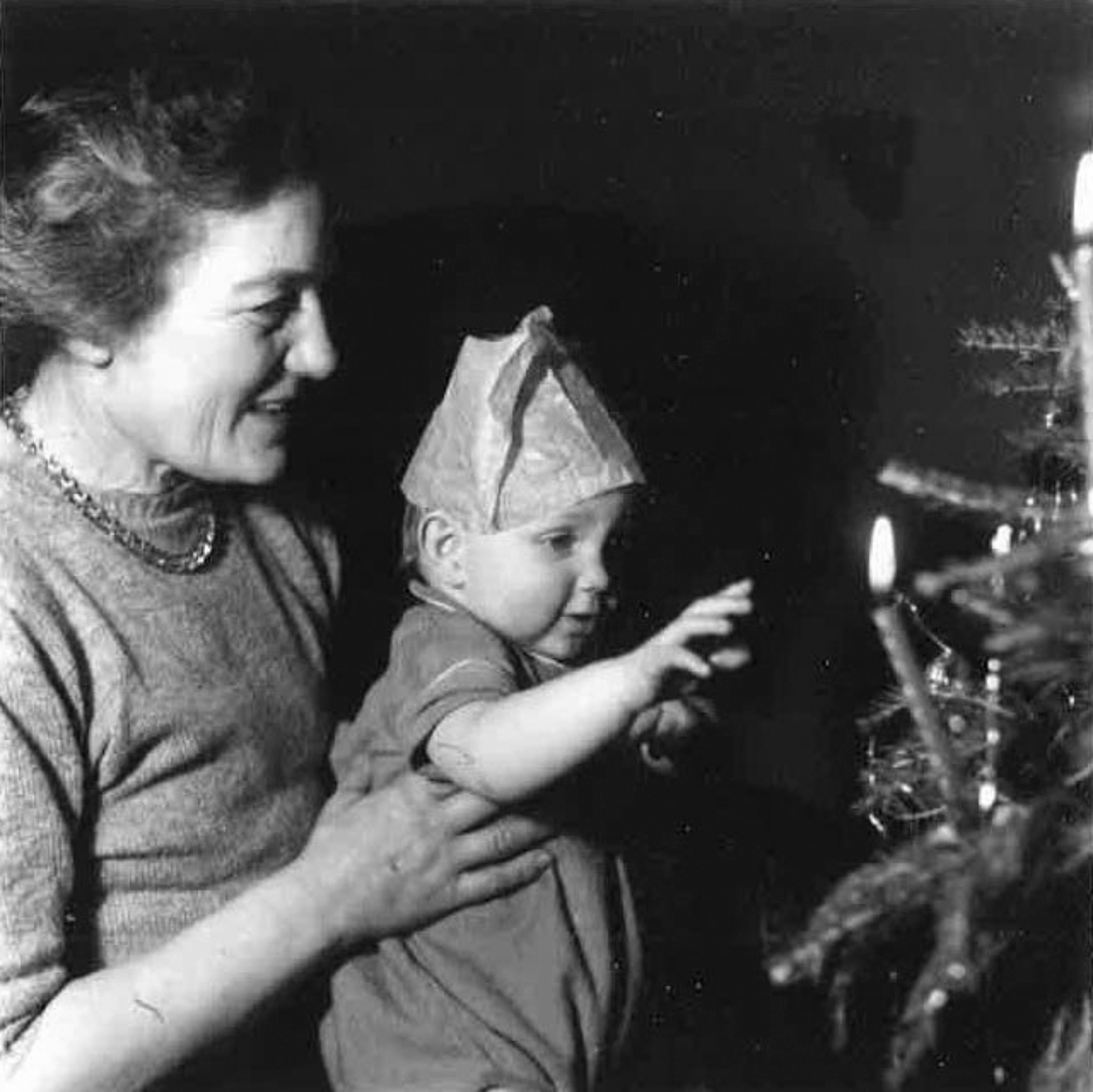Ian Buruma with his grandmother Win Schlesinger at her house in Berkshire, 1953