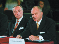 William Bratton, then chief of the LAPD, and Raymond Kelly, then commissioner of the NYPD, at a public hearing in New York City, September 2008