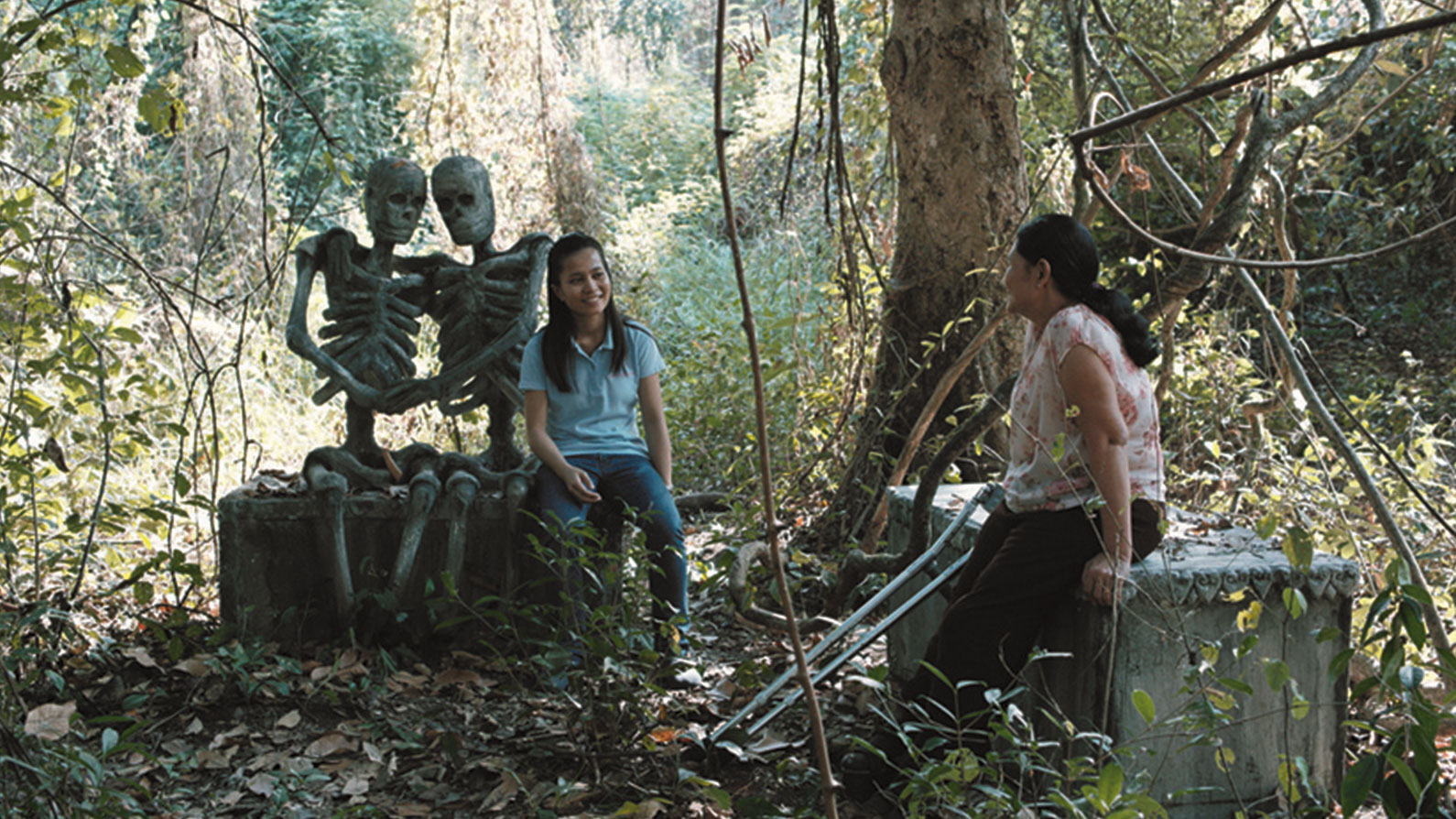Jarinpattra Rueangram as Keng and Jenjira Pongpas as Jen in Apichatpong Weerasethakul's Cemetery of Splendor, 2015