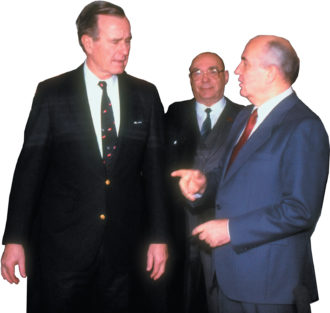 Alexander Yakovlev (center) with George H.W. Bush and Mikhail Gorbachev at their summit meeting in Malta, December 1989