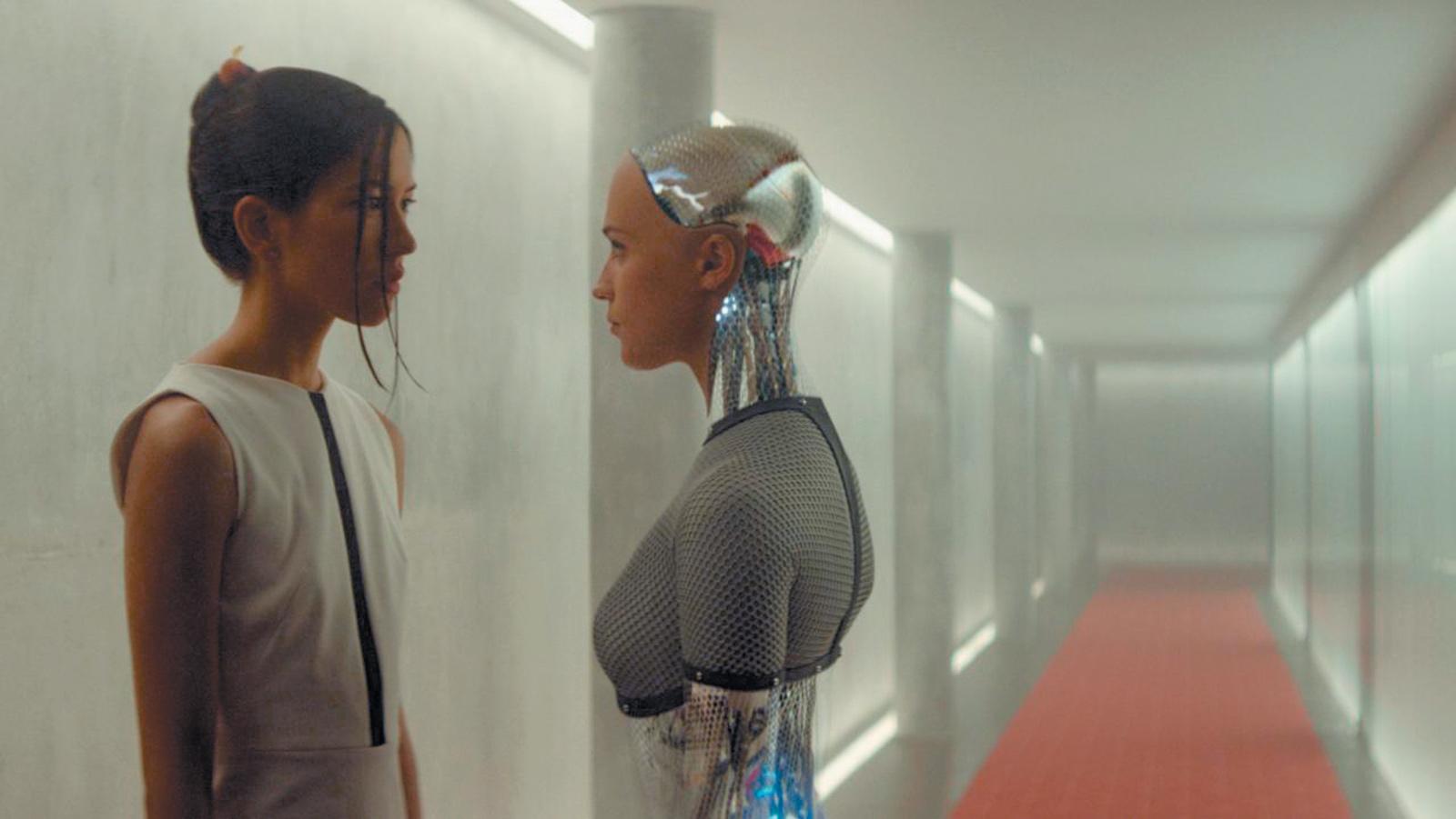 Sonoya Mizuno and Alicia Vikander in Alex Garland's film Ex Machina, 2015