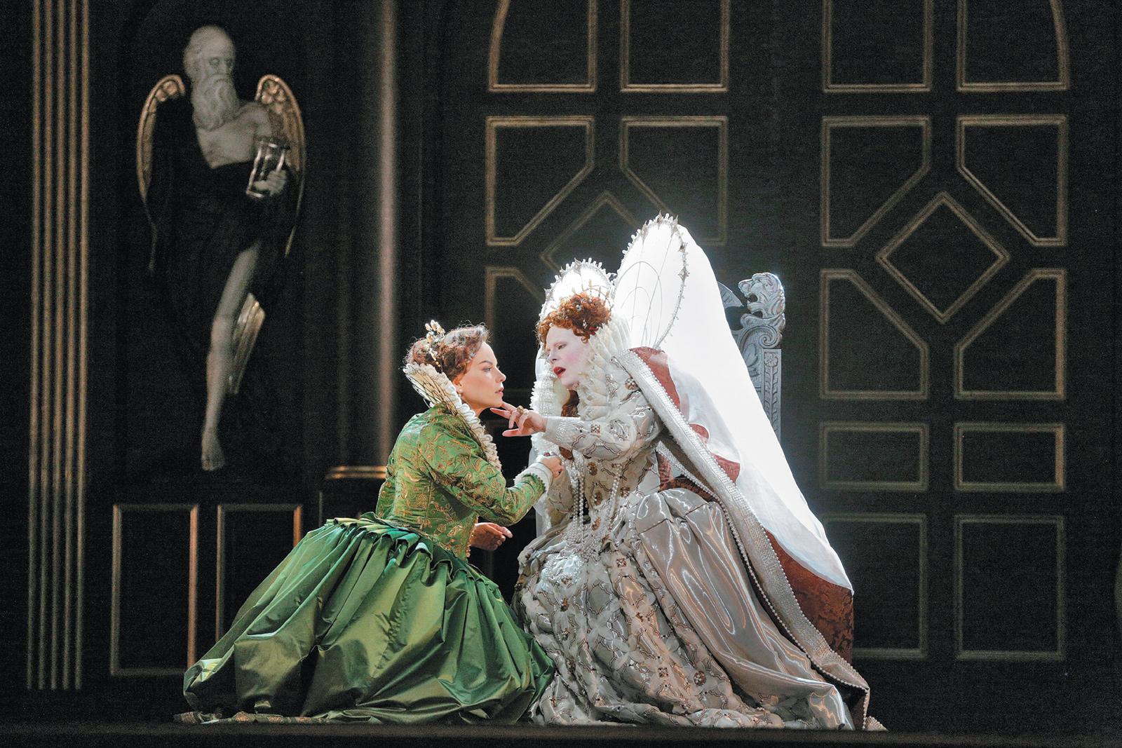Elīna Garanča as Sara and Sondra Radvanovsky as Elizabeth I in the Metropolitan Opera's recent production of Donizetti's Roberto Devereux