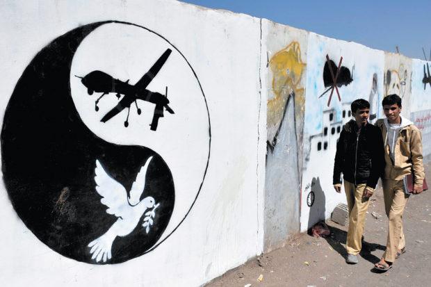 Anti-drone graffiti in Sanaa, Yemen, November 2013