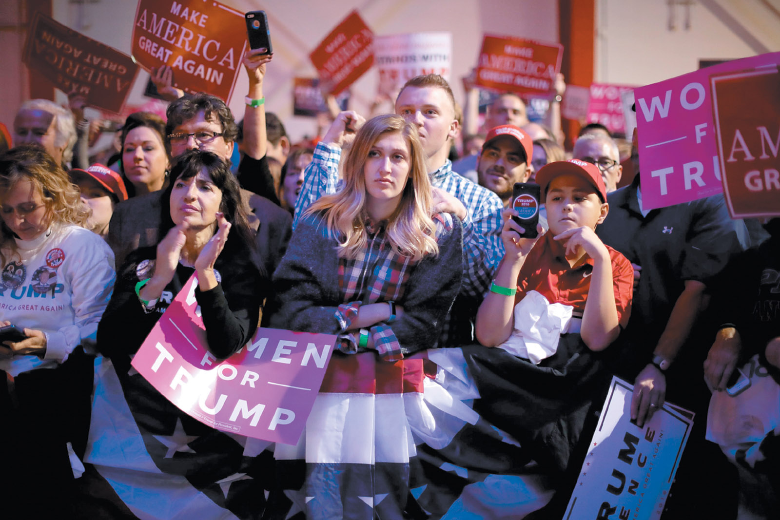 Supporters of Donald Trump at the Pittsburgh International Airport campaign rally, November 2016