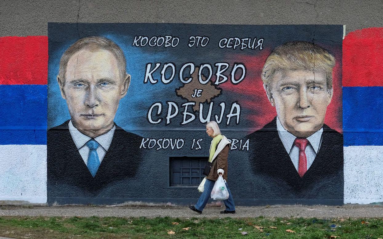 A mural of Russian President Vladimir Putin and US President Donald Trump in Belgrade, Serbia, December 4, 2016