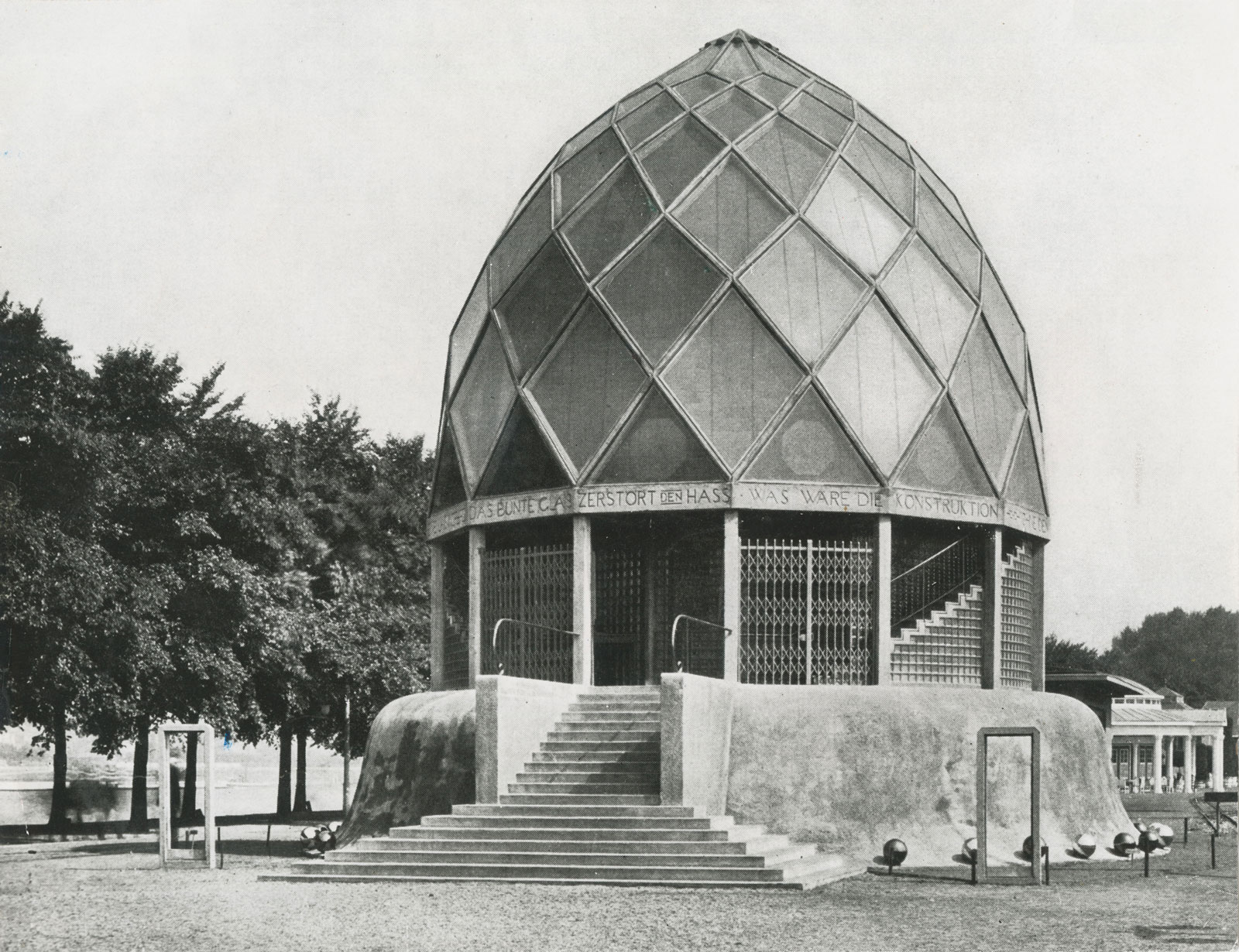 Bruno Taut's Glashaus at the Werkbundausstellung in Cologne, Germany, 1914