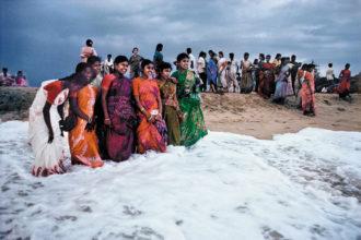 Mahabalipuram, Tamil Nadu, India, 1996; photograph by Raghu Rai