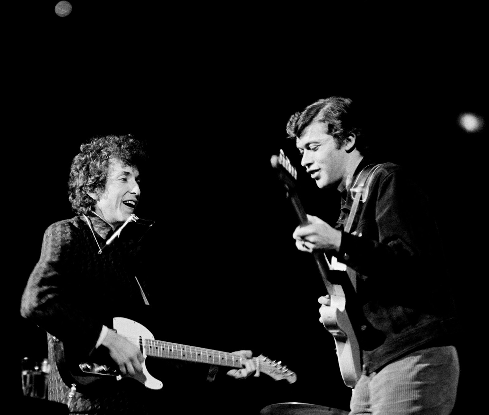 Bob Dylan and Robbie Robertson performing in San Francisco, 1965