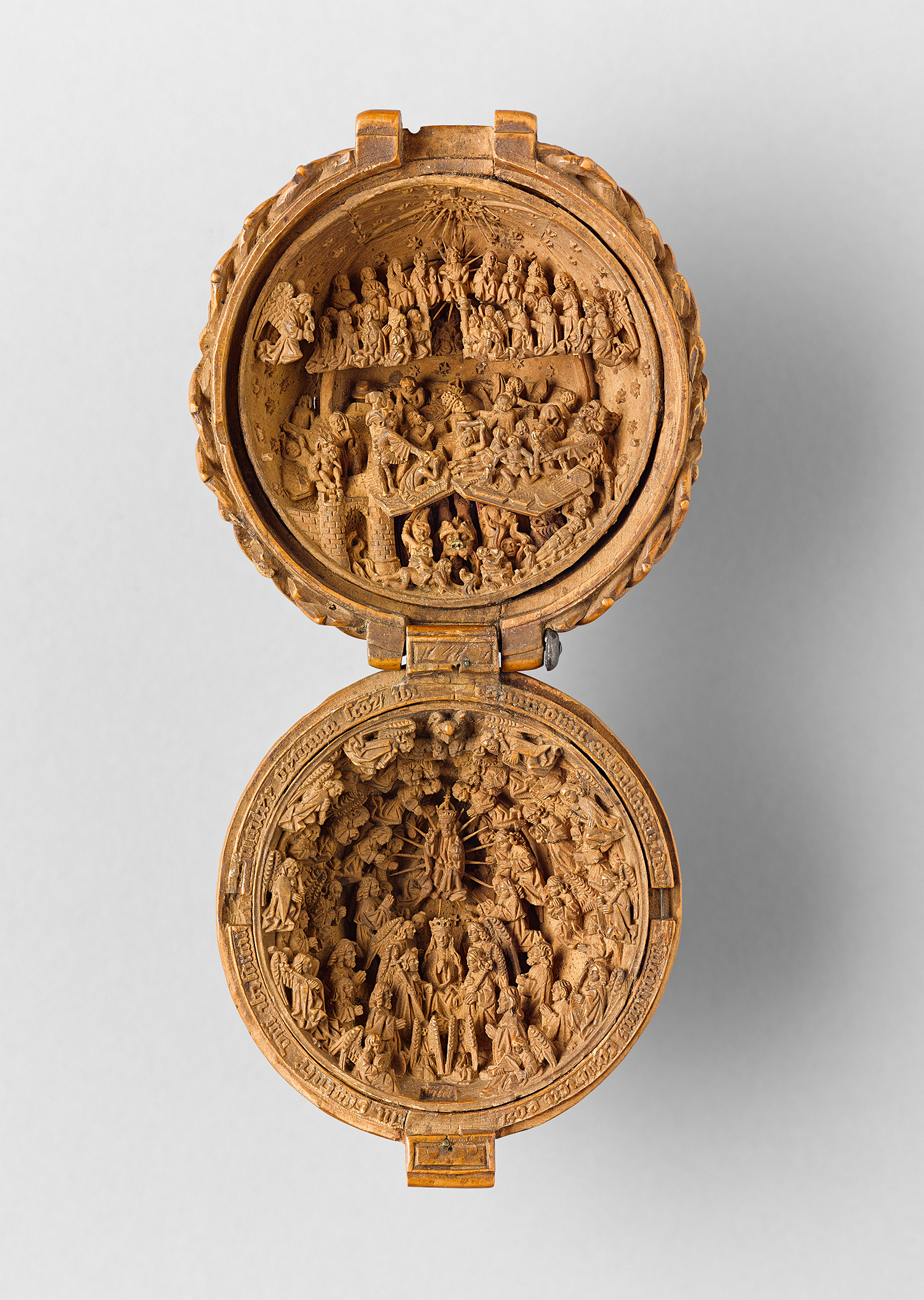 boxwood-prayer-bead-last-judgment-coronation