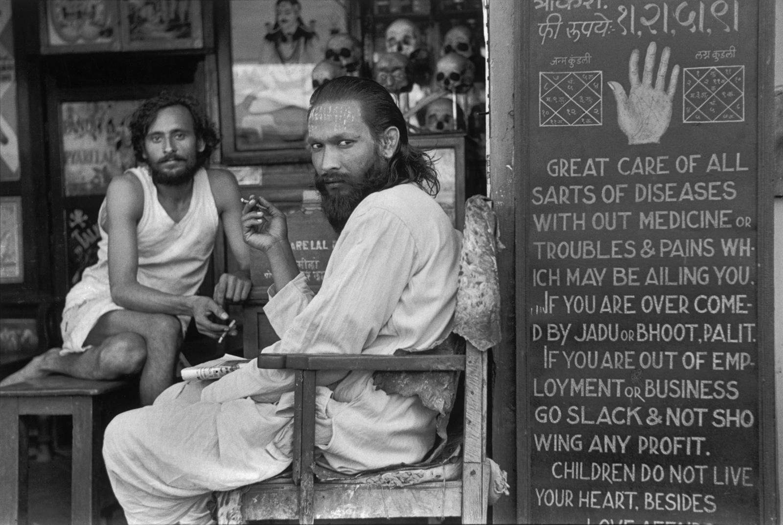 cartier-bresson-astrologers