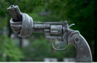 Carl Fredrik Reutersward: The Knotted Gun, photographed in New York City, 2013