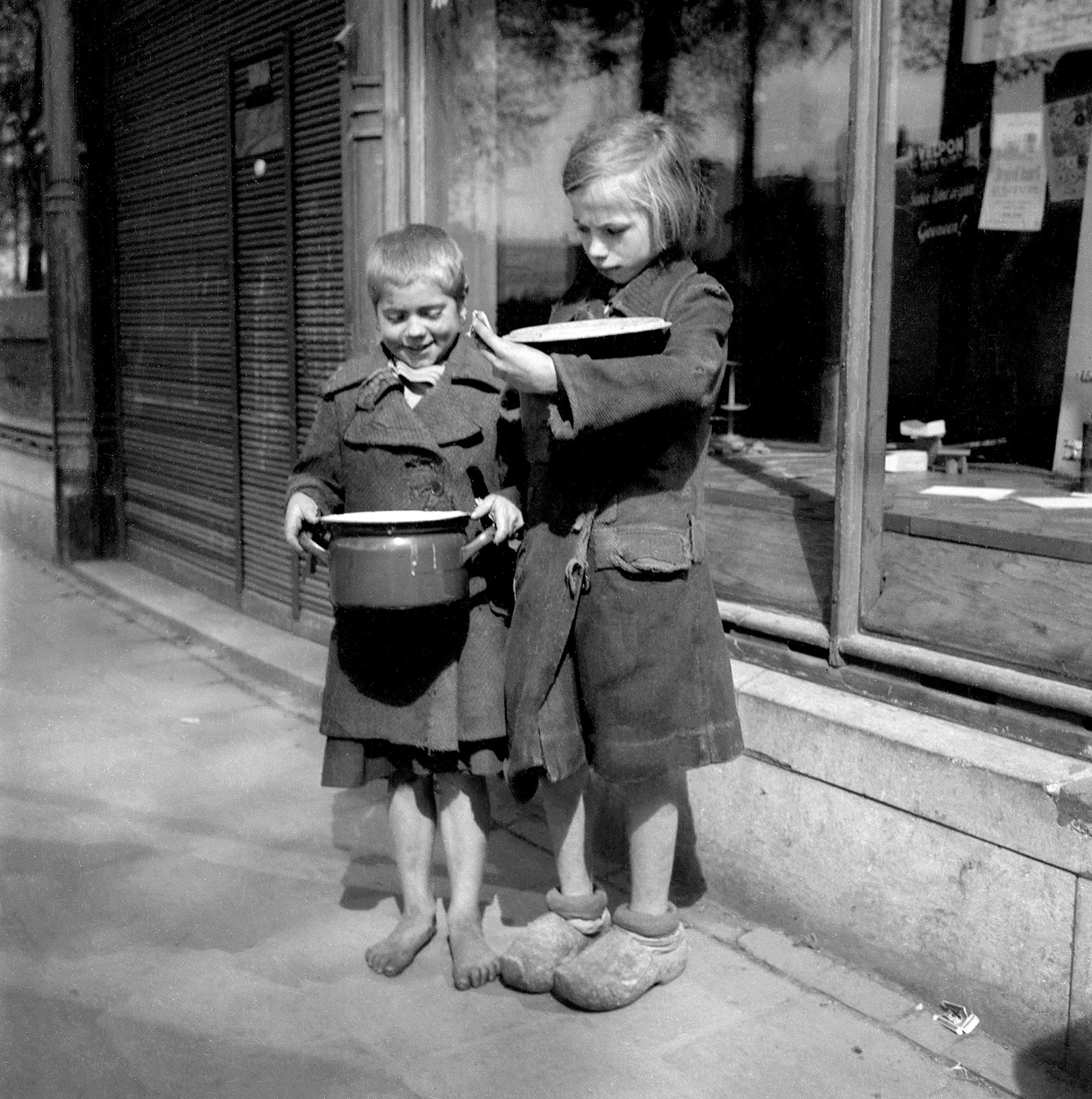Children in Amsterdam during the Dutch Hunger Winter, 1944–1945