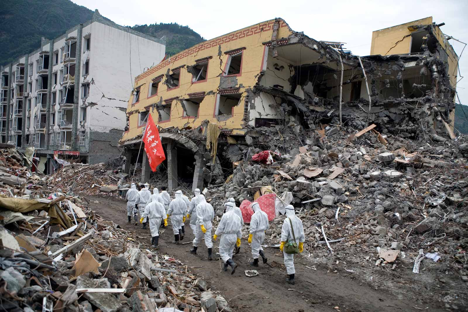 essay about sichuan earthquake The 2008 sichuan earthquake killed 87,000 people and left 5 million homeless in response to the devastation, an unprecedented wave of volunteers and civic associations streamed into sichuan.