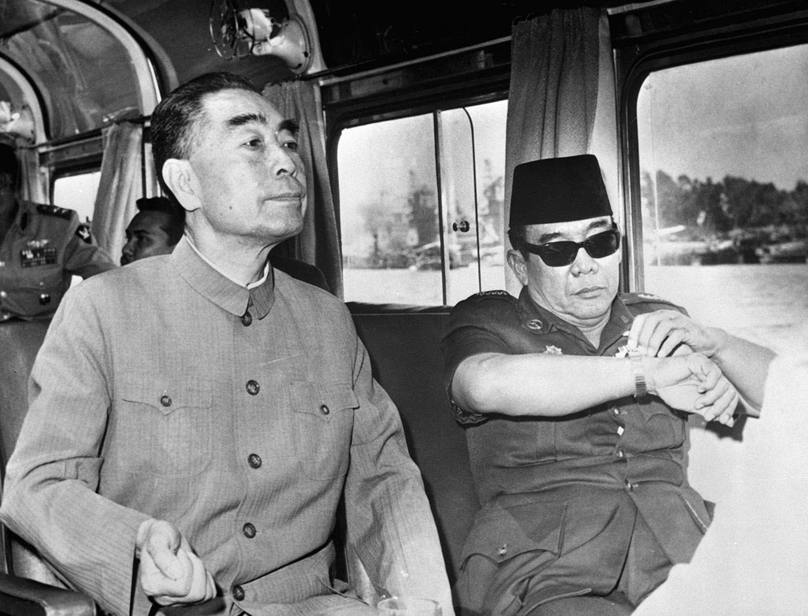 Chinese premier Zhou Enlai and Indonesian president Sukarno aboard a cruise on the Nile River, Cairo, July 1965