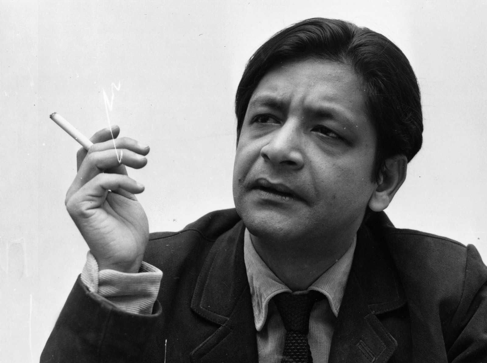 V.S. Naipaul, Poet of the Displaced