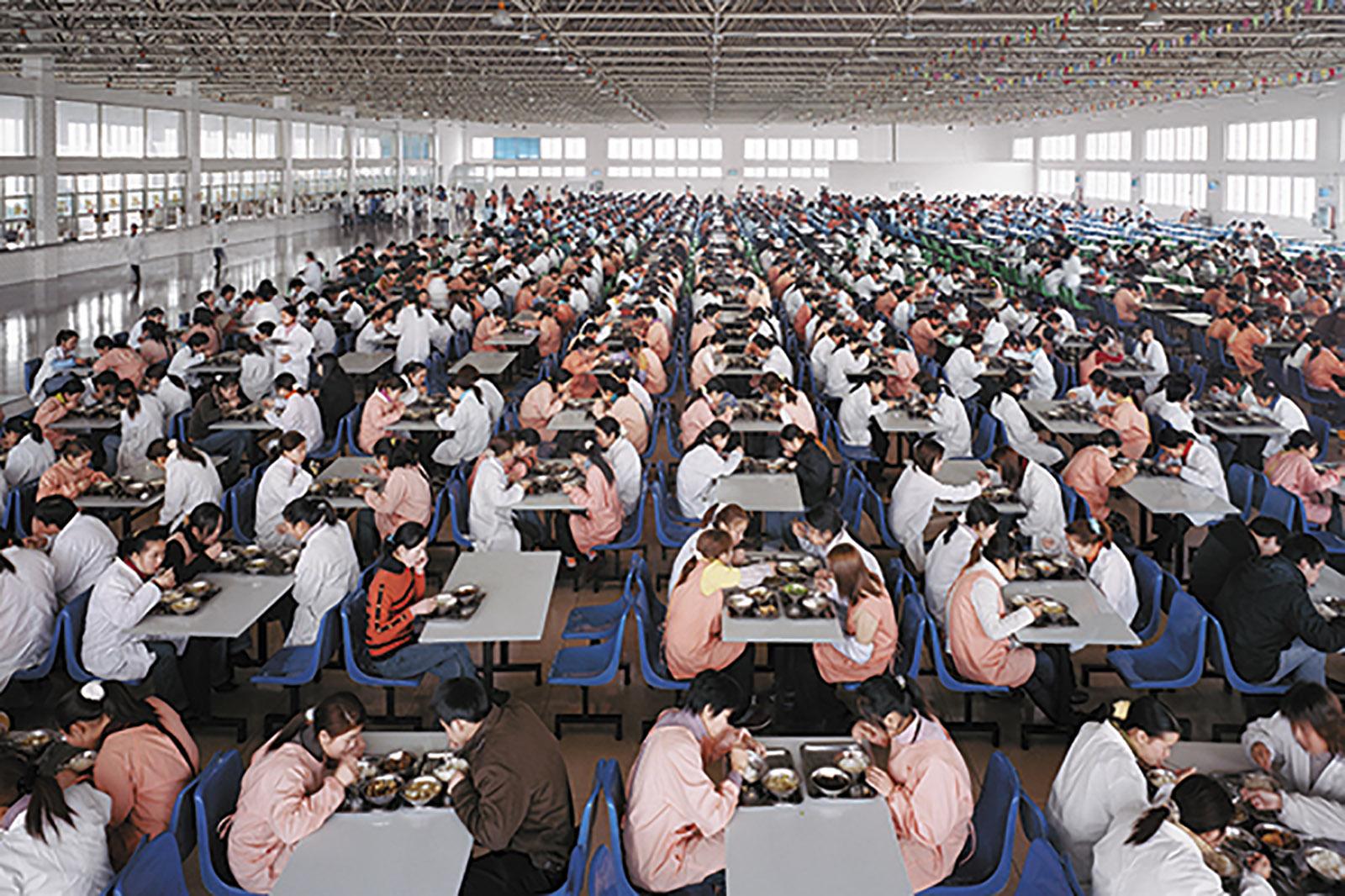 Edward Burtynsky: Manufacturing #11, Youngor Textiles, Ningbo, Zhejiang Province, China, 2005