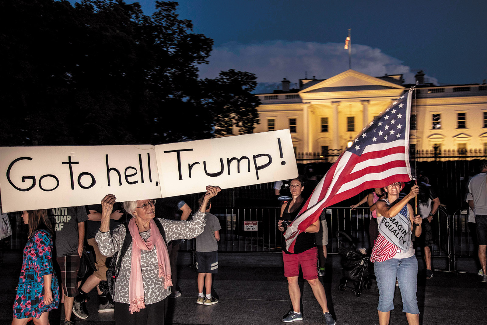 Protesters in front of the White House, August 2018