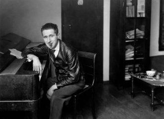 Bertolt Brecht, Berlin, 1927