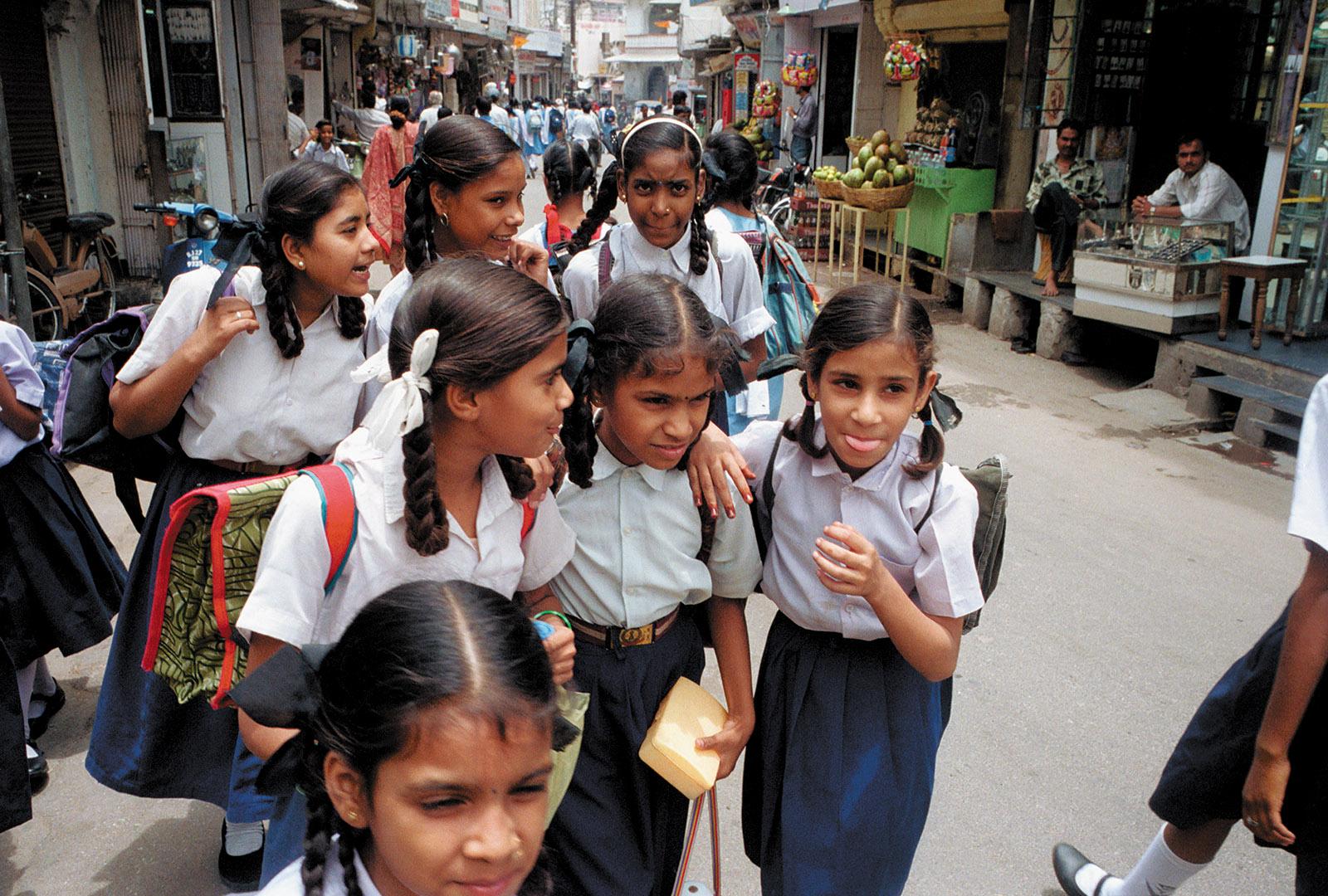 Schoolgirls in Udaipur, Rajasthan, 1999