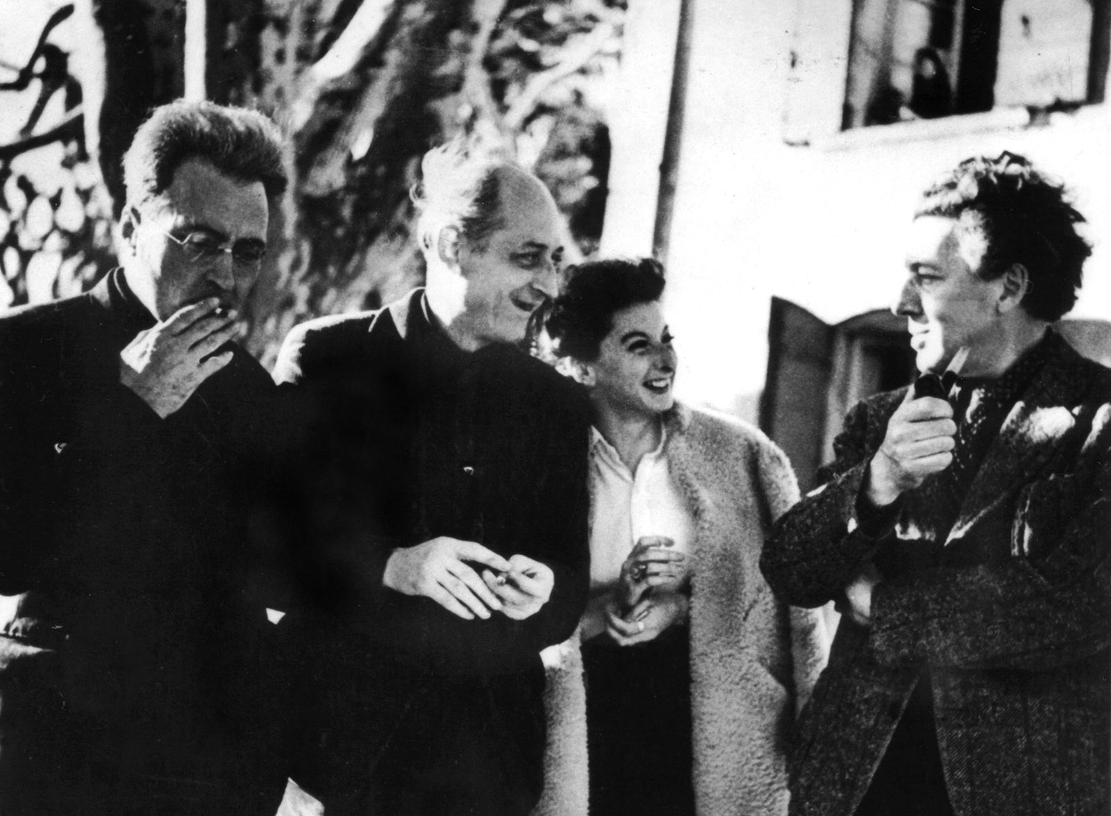 Victor Serge, with Dadaist poet Benjamin Péret and his lover, the artist Remedios Varo, and André Breton, France, 1939