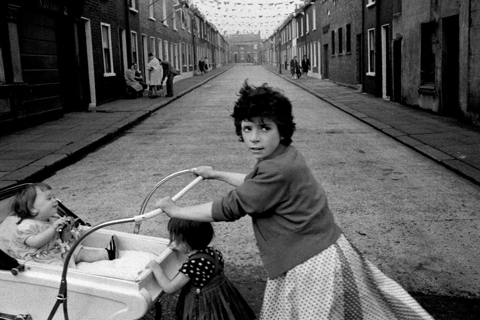 Belfast, Northern Ireland, 1965; photograph by Philip Jones Griffiths