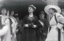 Gilman addressing members of the Federation of Women's Clubs, June 4, 1916