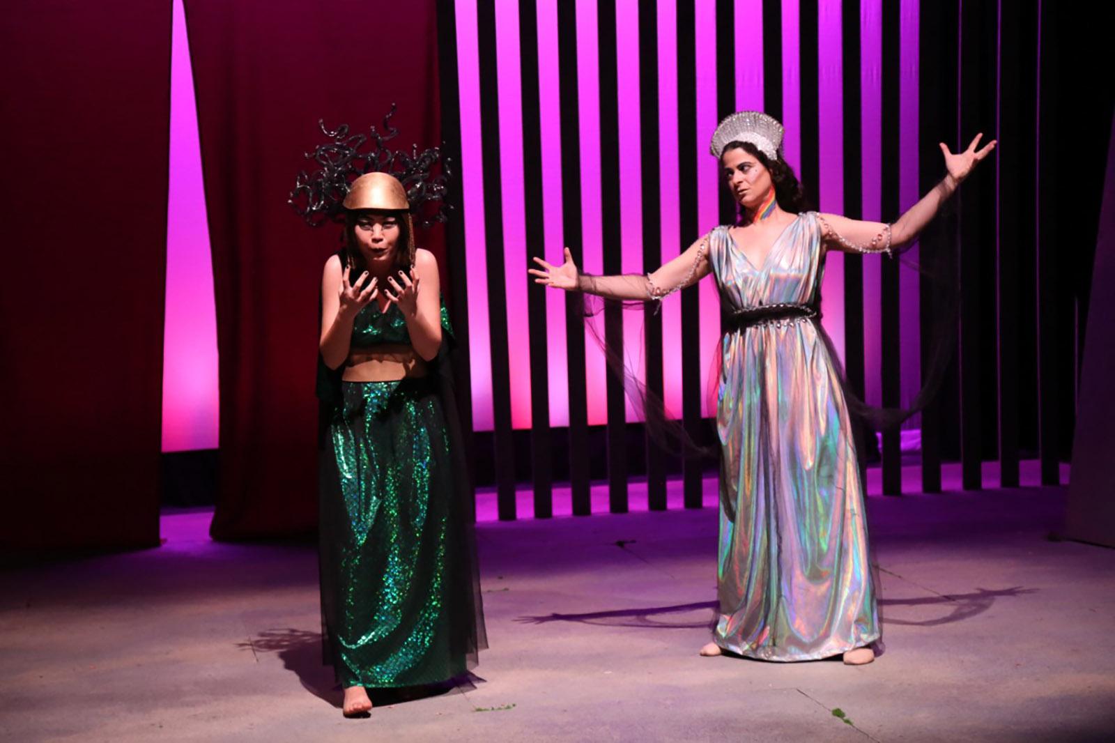 Yilin Liu as Lyssa and Darcy Krasne as Iris, in Herakles, 2019
