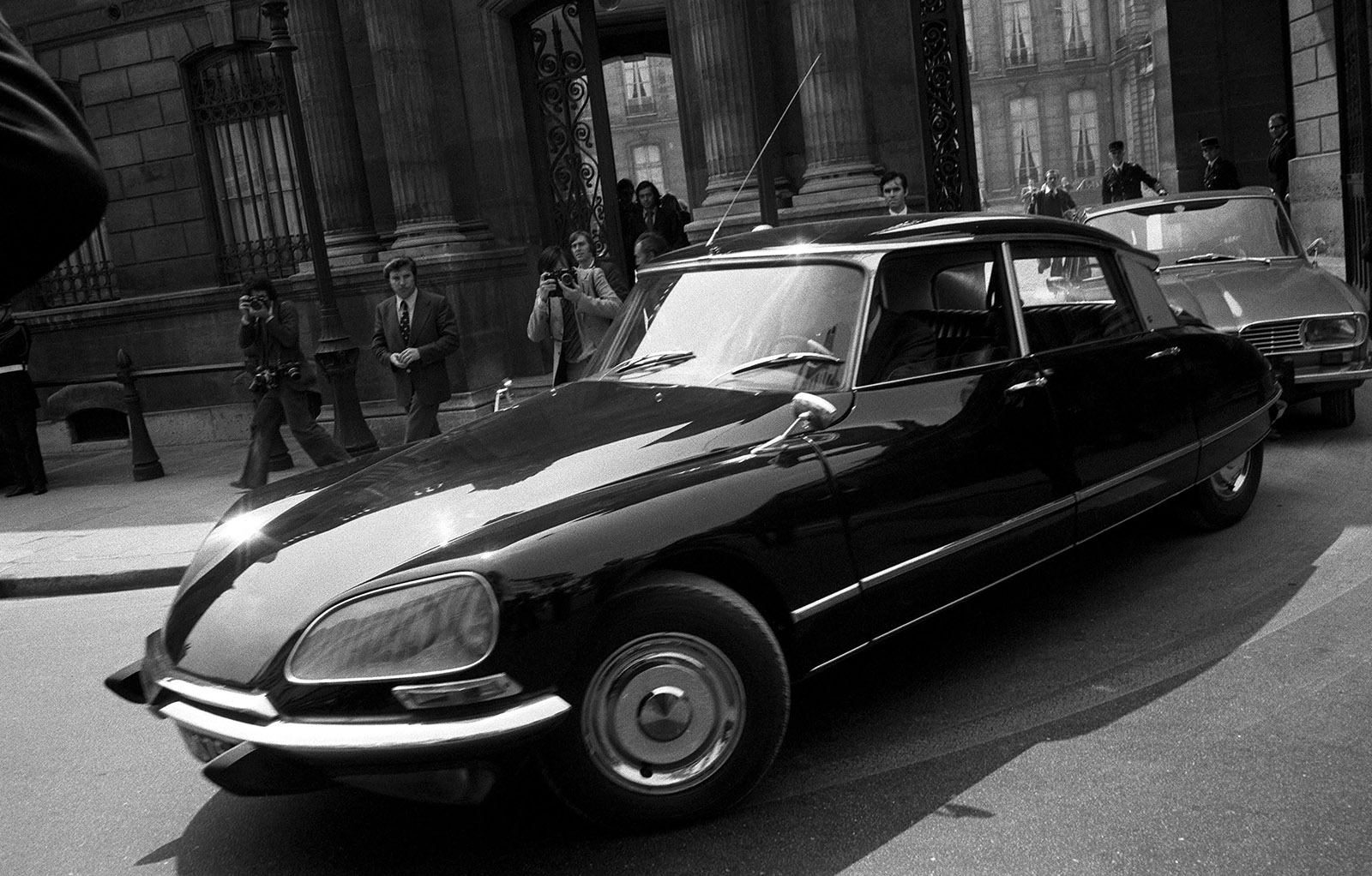 Then newly elected president of France, Valéry Giscard d'Estaing taking the wheel of a Citroën DS, Paris, May 27, 1974