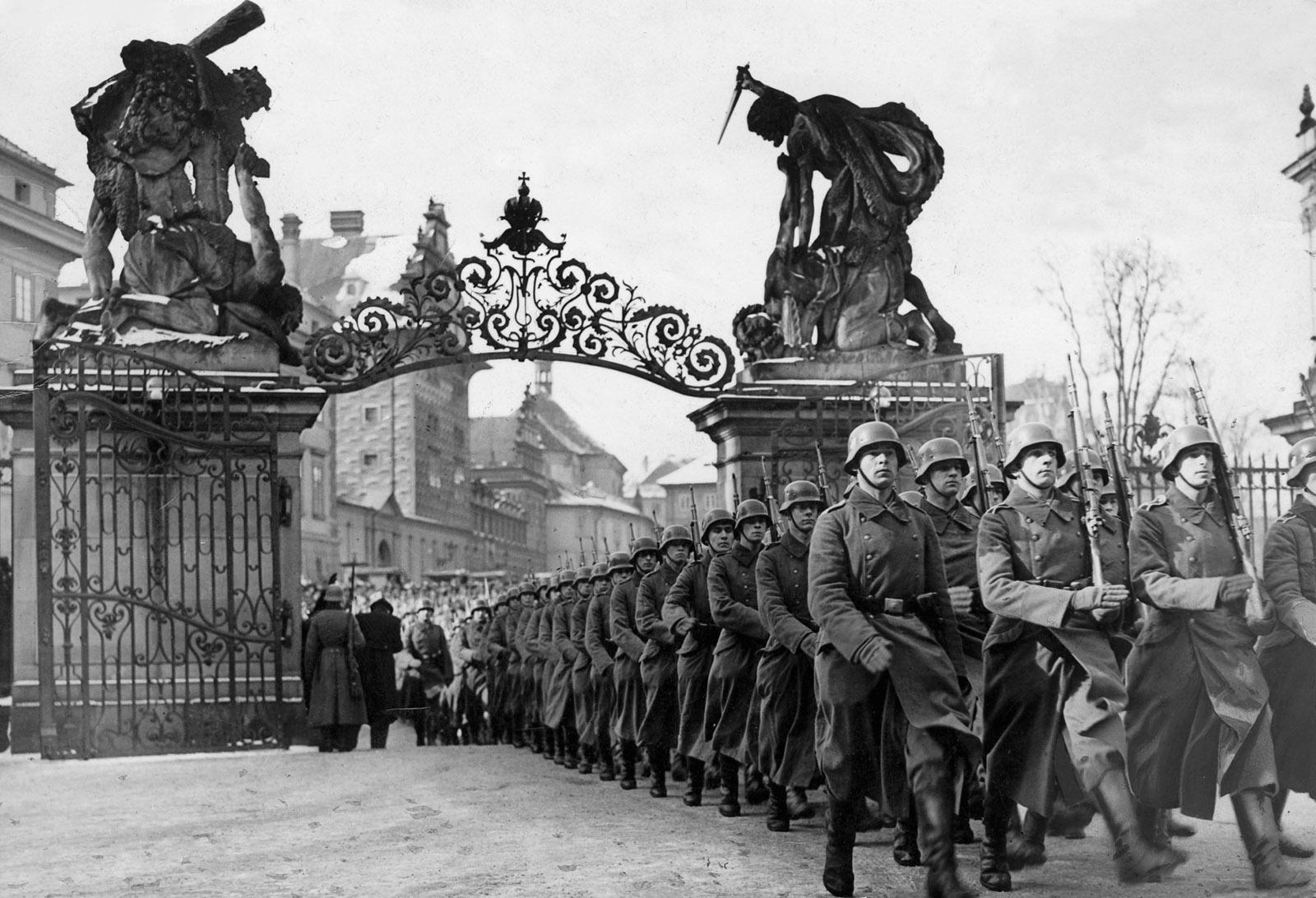 German troops entering the grounds of Hradčany Castle, Prague, March 1939