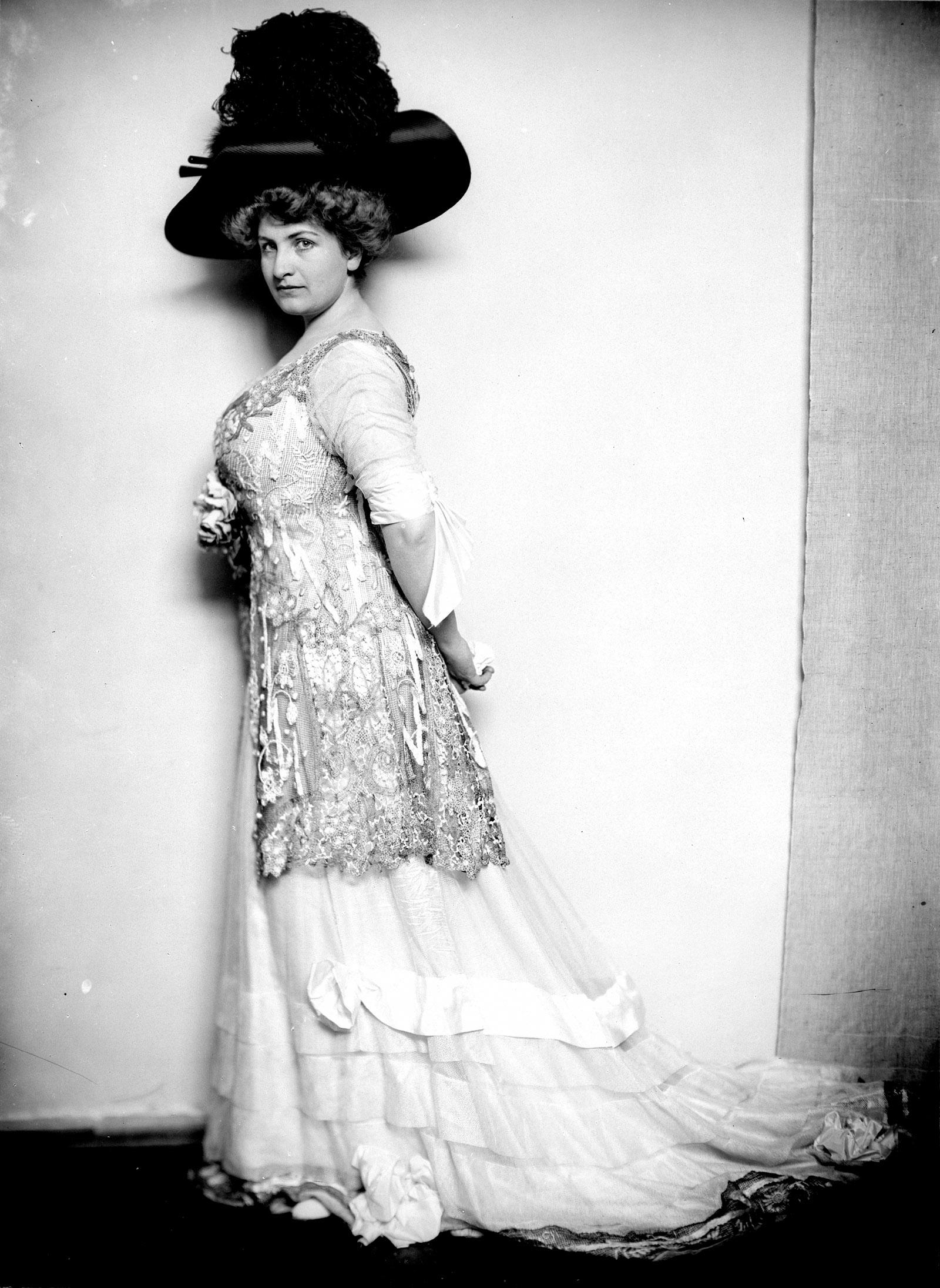 Alma Mahler, circa 1908