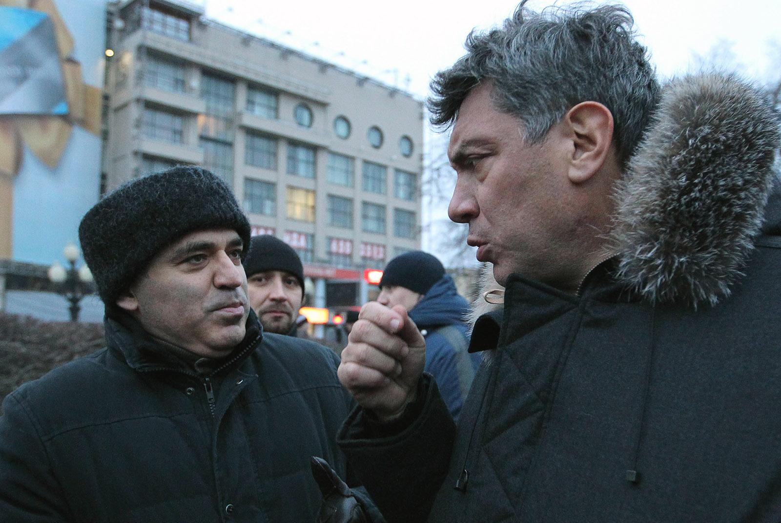 Garry Gasparov and Boris Nemtsov at a protest in Russia in 2010