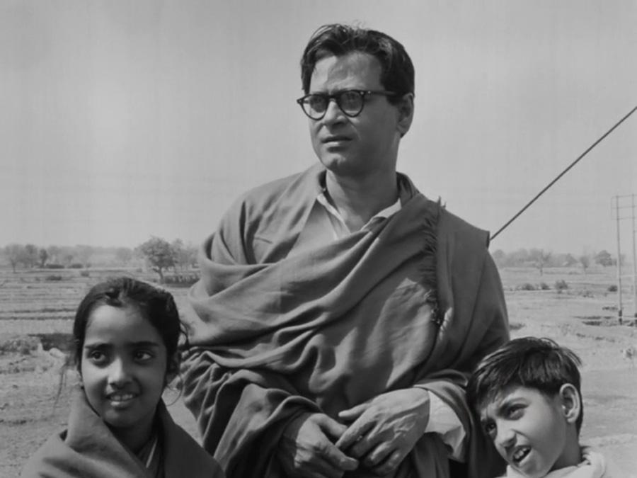 A still from Ritwik Ghatak's Subarnarekha, 1962