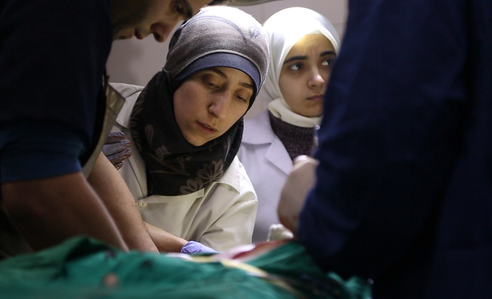 Syrian doctors in the OR