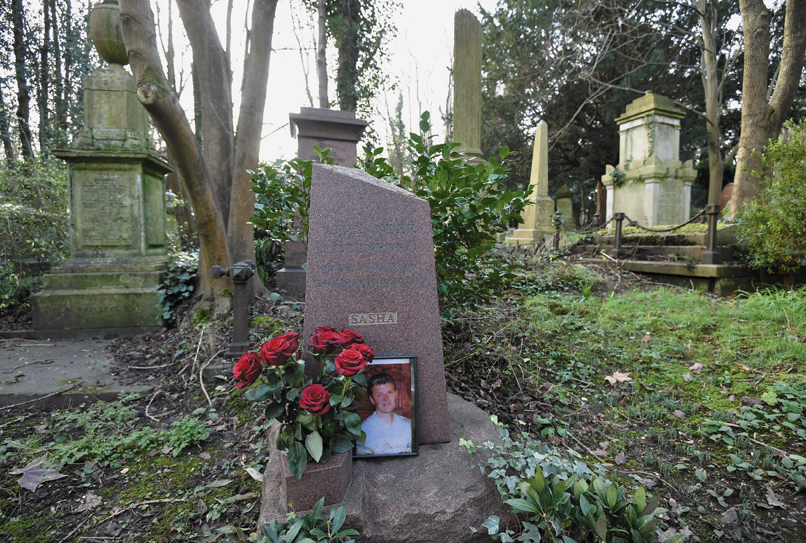 The grave of the murdered Russian ex-spy Alexander Litvinenko, Highgate Cemetery, London, 2016