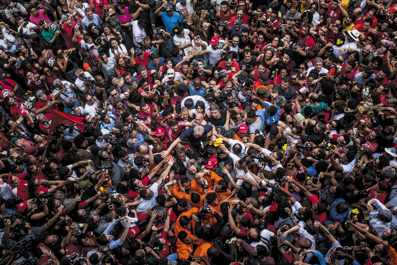 Former Brazilian president Luiz Inácio Lula da Silva with supporters on the day he agreed to start a prison sentence for corruption, São Paulo