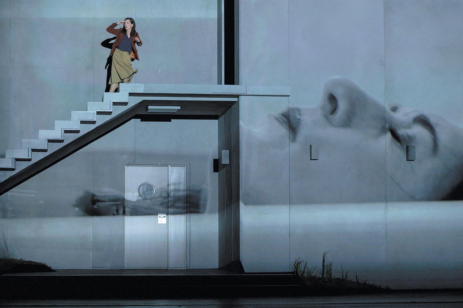 Patrizia Ciofi as She in Heart Chamber at the Deutsche Oper Berlin