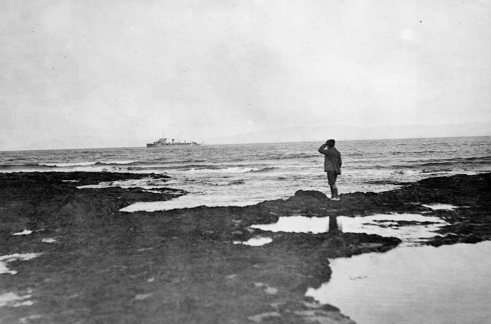 British warships arriving at Donegal Bay during the Irish Civil War