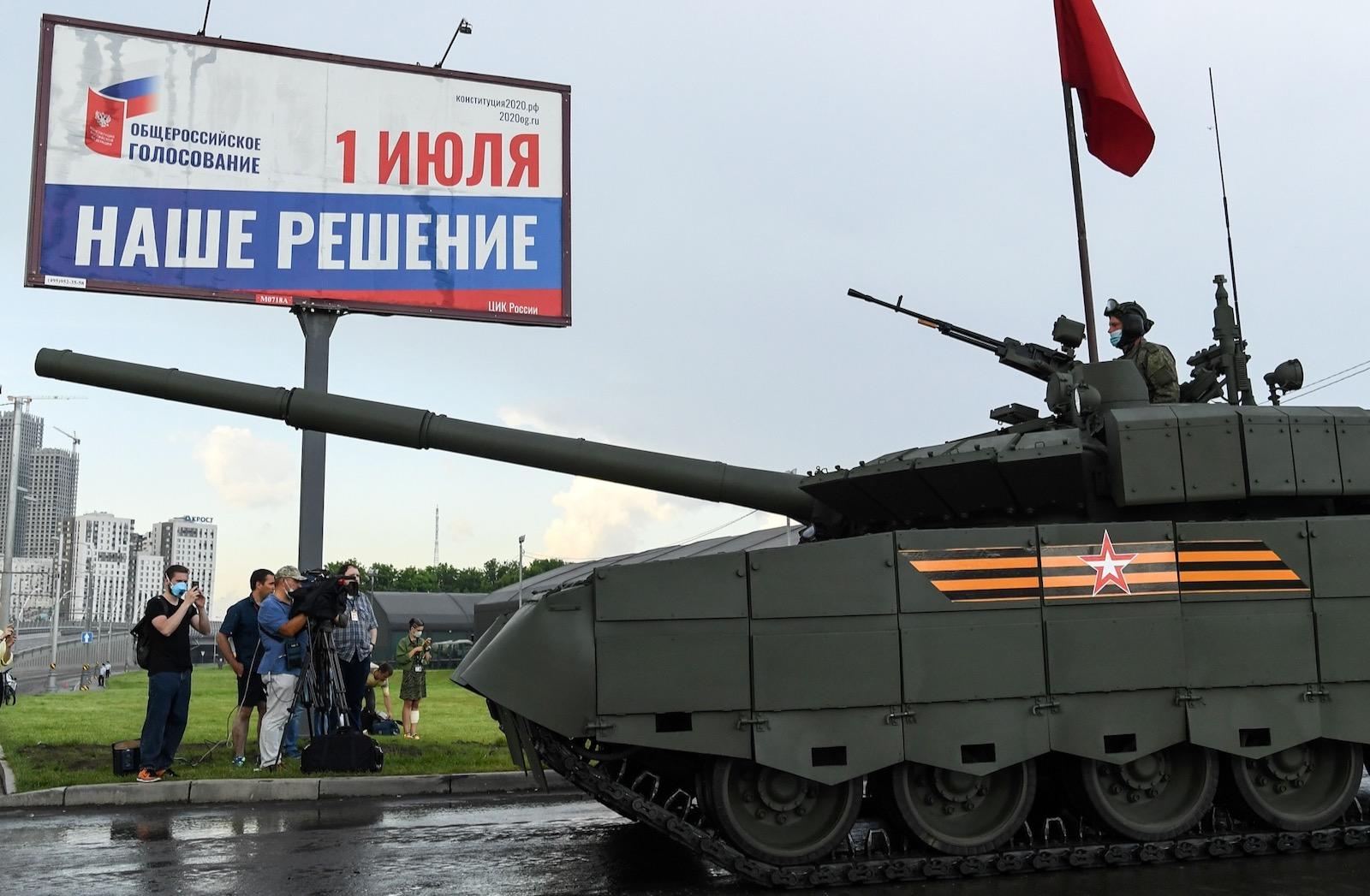 Ruské refendum pod hlavňami Armaty