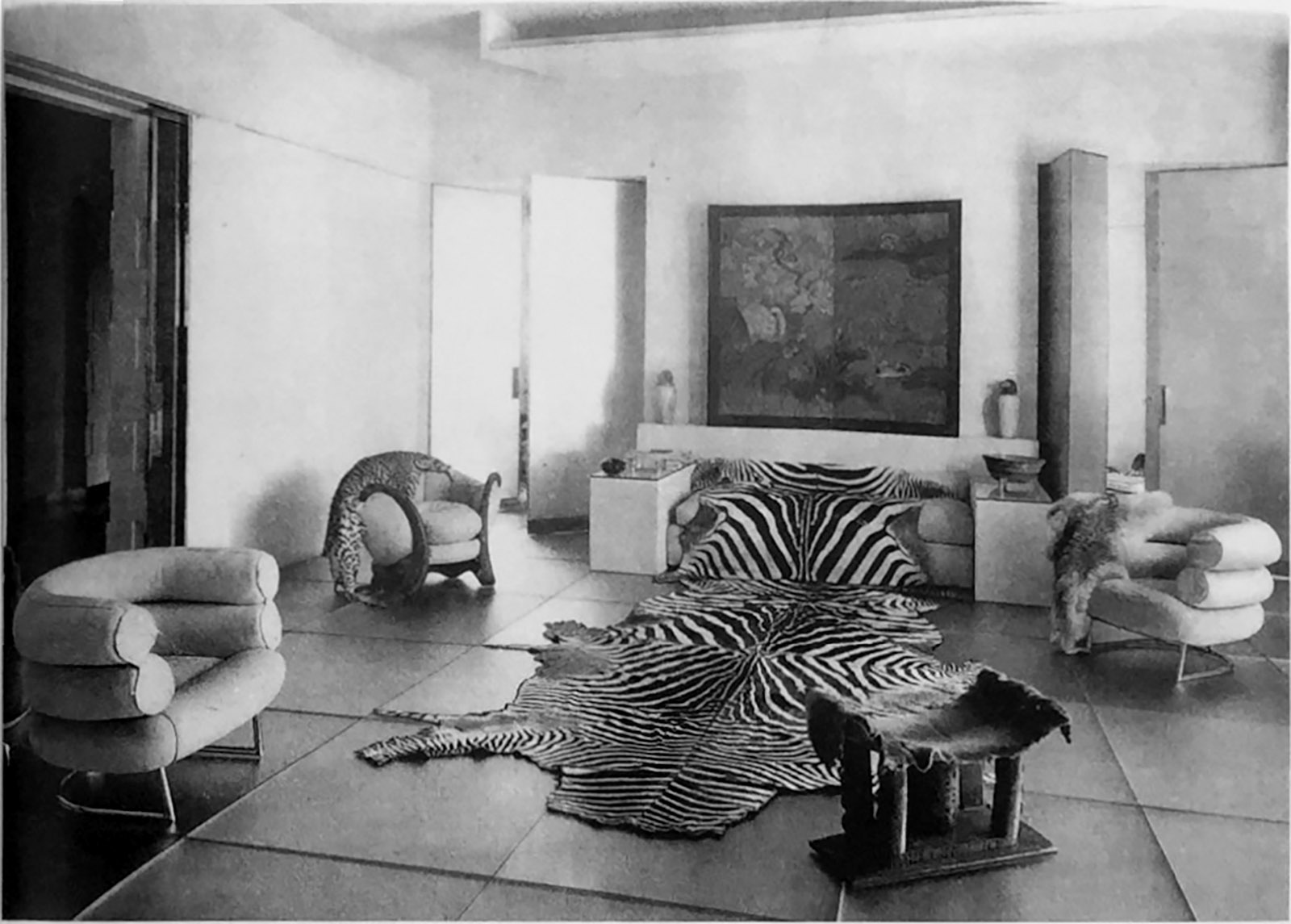 Suzanne Talbot's apartment on the rue de Lota, Paris, with a Lota sofa, Dragon armchair, and two Bibendum chairs, all designed by Eileen Gray, 1933