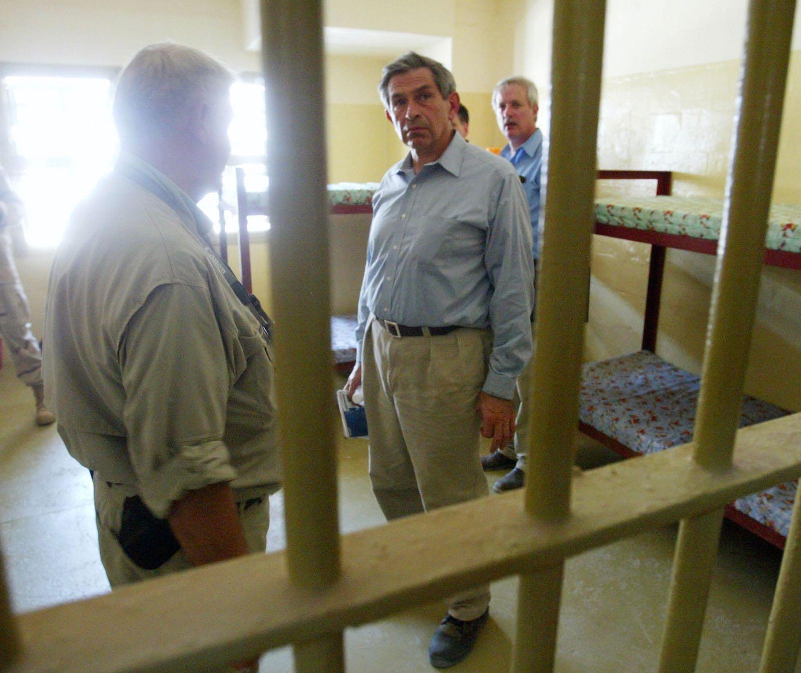Paul Wolfowitz visiting Abu Ghraib prison, Iraq