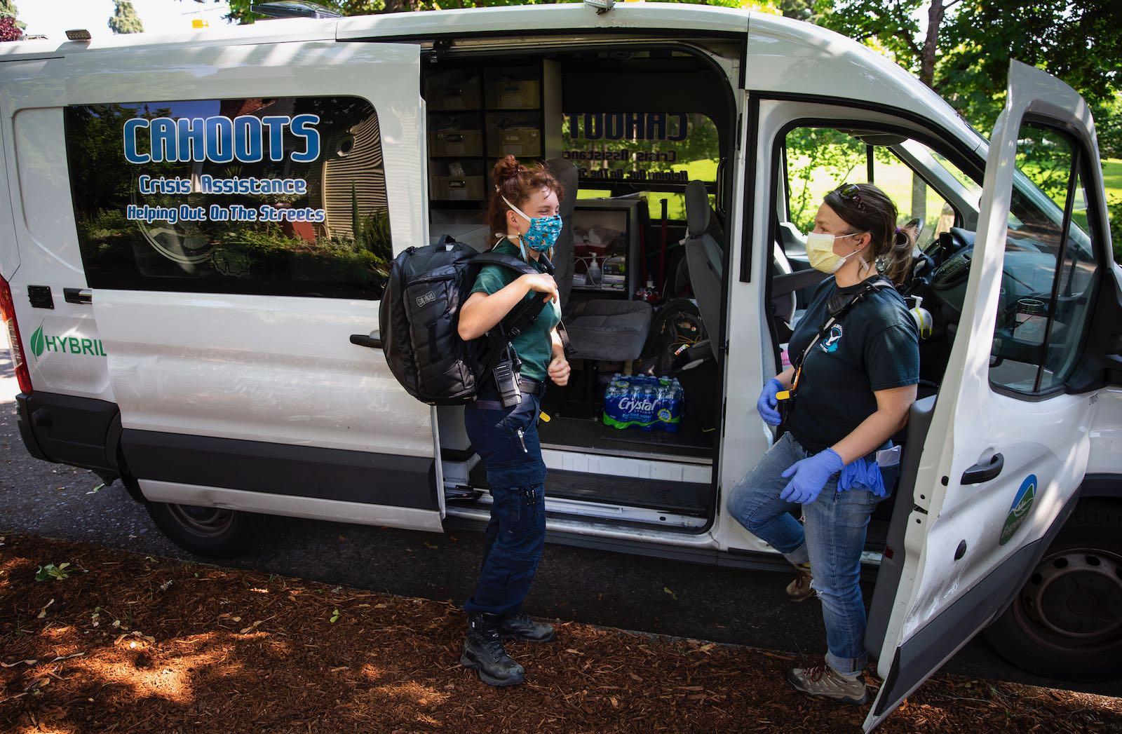 Crisis responders in Eugene, Oregon