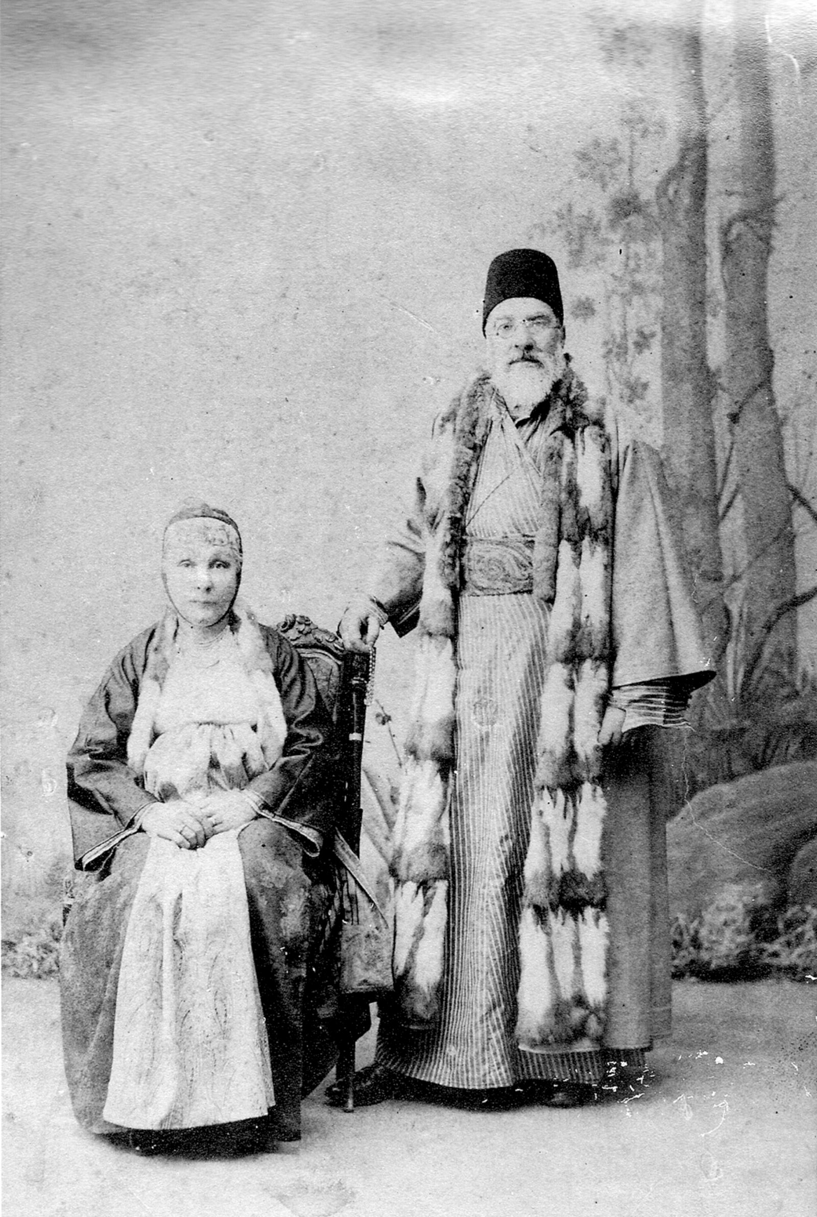 Sa'adi a-Levi and his second wife, Esther