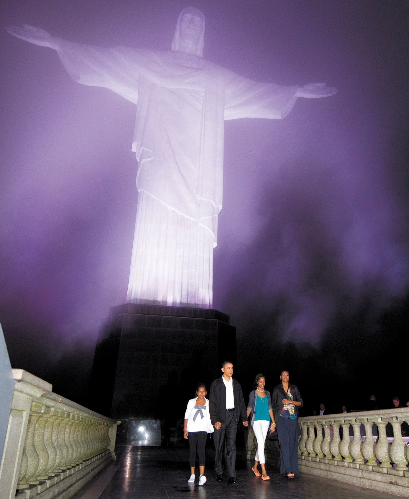 The Obama family at the statue of Christ the Redeemer, Rio de Janiero