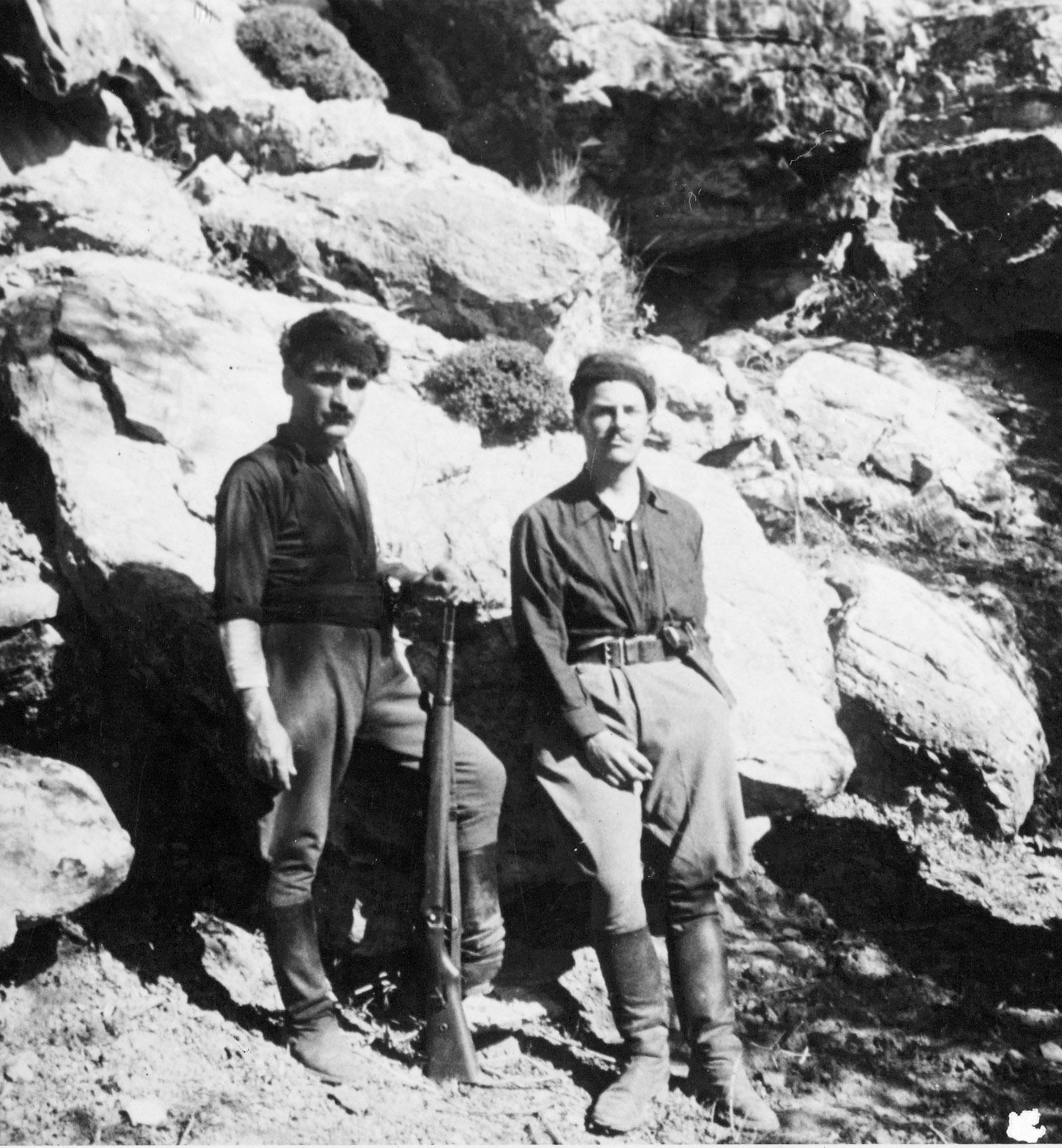 Patrick Leigh Fermor and Yanni Tsangarakis, Hordaki, Crete