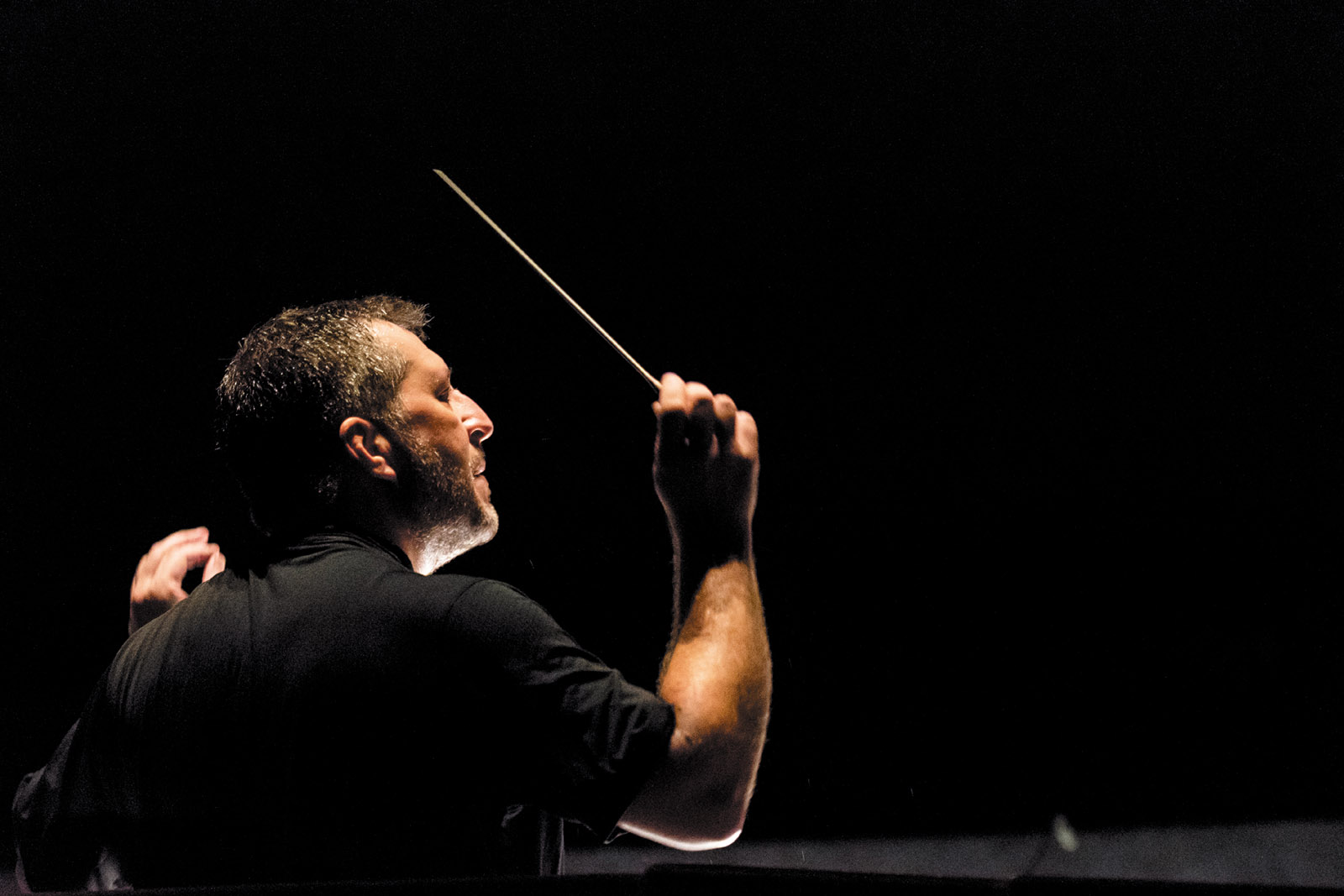 Thomas Adès conducting a dress rehearsal of The Exterminating Angel